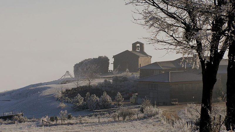La chapelle de Vâtre sous la neige